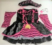 Pirate-dress-with-accessories